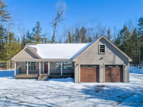 289 Readfield Road Manchester ME 04351