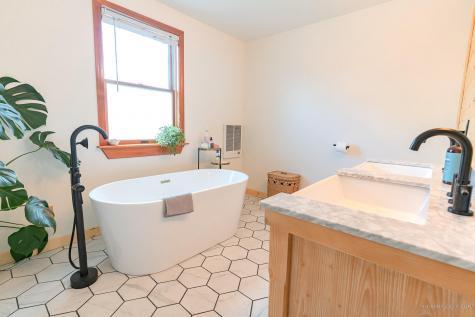 10 Pratt Street Bath ME 04530