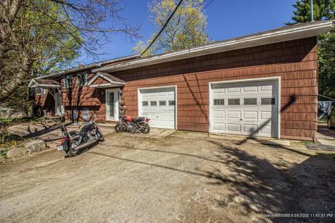 186 Maple Avenue Farmington ME 04938