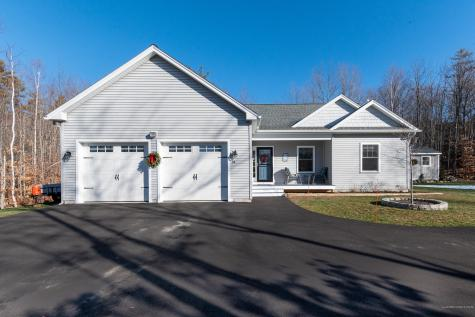 34 Chestnut Heights Road Gray ME 04039