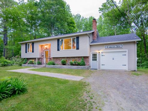 18 Lakeview Drive Readfield ME 04355