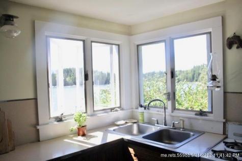 45 Kingfisher Point Vinalhaven ME 04863