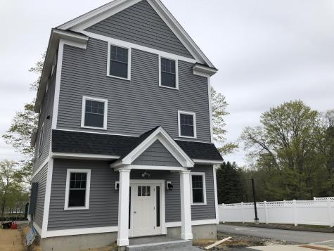 Unit 11 Landmark Hill Square Kittery ME 03904