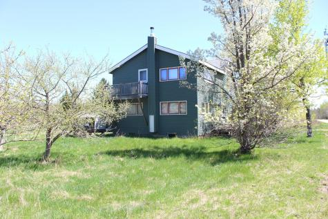 27 Strawberry Road Orland ME 04472