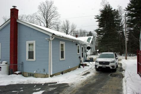 27 Bowman Street Farmingdale ME 04344