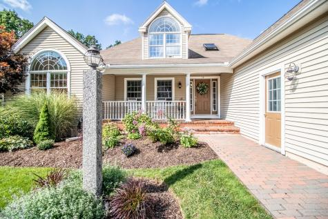 14 Northledge Terrace Falmouth ME 04105