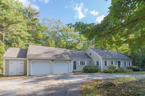 10 Lily Pond Drive Camden ME 04843
