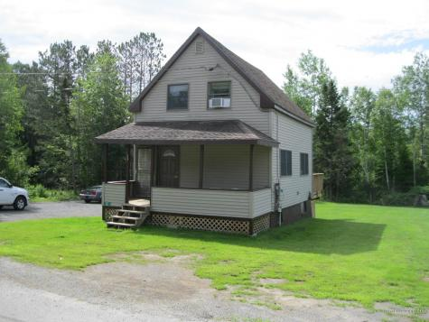 32 Oquossoc Avenue Rangeley ME 04970
