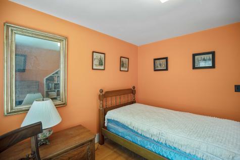 94 Narragansett Street Gorham ME 04038