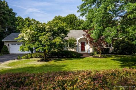 9 Ox Point Drive Kittery ME 03904