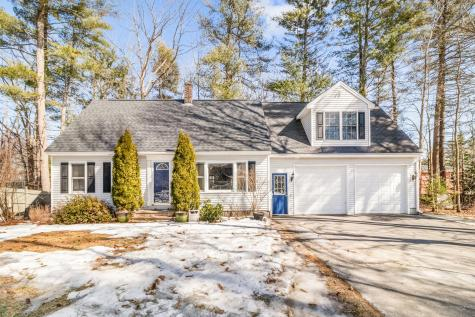 10 Surrey Lane Scarborough ME 04074