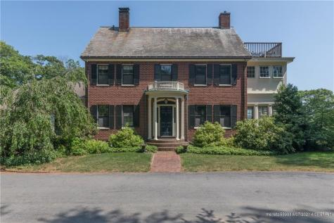 279 Foreside Road Falmouth ME 04105
