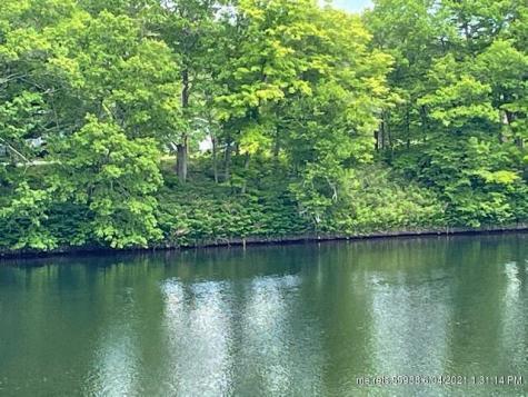 12 & 14 River Road Norridgewock ME 04957