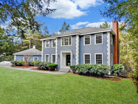 85 Woodlands Drive Falmouth ME 04105