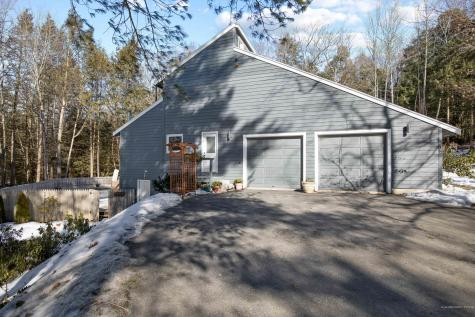 35 Hedgerow Drive Falmouth ME 04105