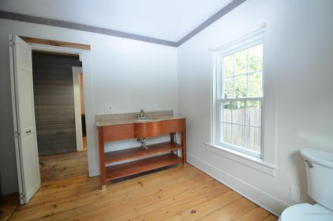 40 Woodlawn Avenue Kittery ME 03904